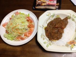 カレーとサラダ